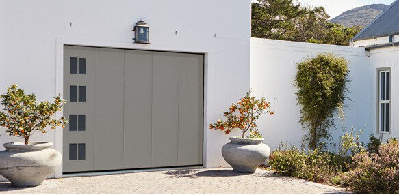 224736_photo-hublots-malachite-porte-garage-coulissante