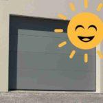 Porte de garage à moteur solaire :